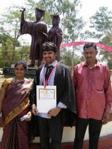 Ramesh Rathod et ses parents